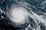 Разрушительный ураган «Ирма» сеет панику: в США готовятся к эвакуации - МК