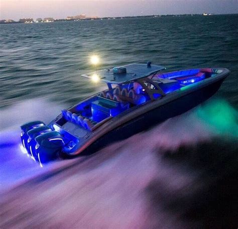 Xpress Boats Speed by 25 Best Ideas About Speed Boats On