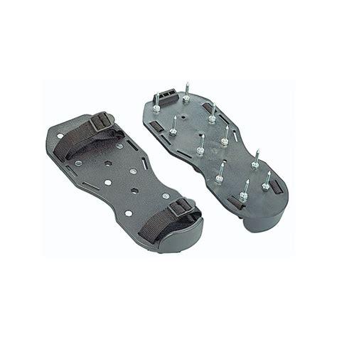 scarpe chiodate per giardino scarpe chiodate per arieggiare prato