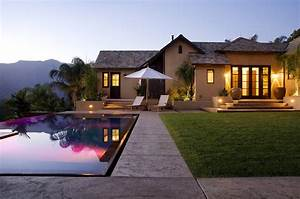 World of ArchitectureOjai Valley Hilltop Compound by