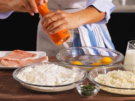 what does dredge in cooking how to dredge cutlets how to cooking channel cooking fundamentals recipes and how to