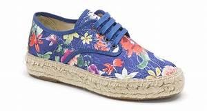 chaussures fleuries originaleschaussures ville homme With affiche chambre bébé avec chaussures femme fleuries