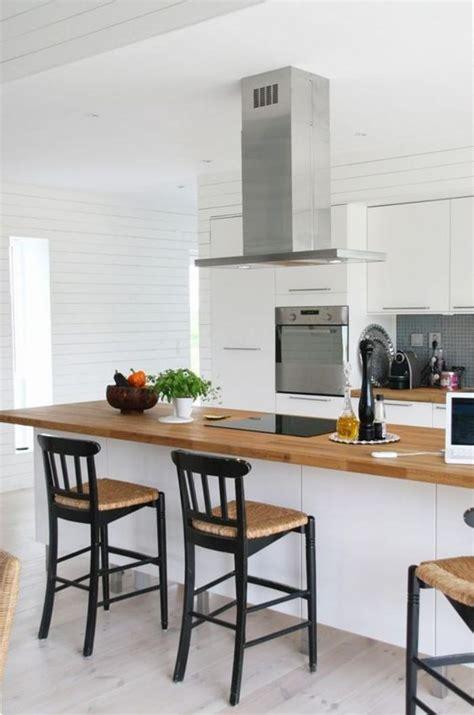 cuisine blanche plan travail bois la cuisine blanche et bois en 102 photos inspirantes