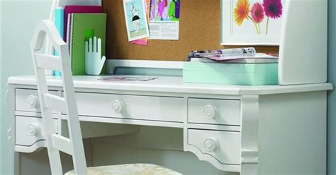cute desk   wwant  cool  pinterest