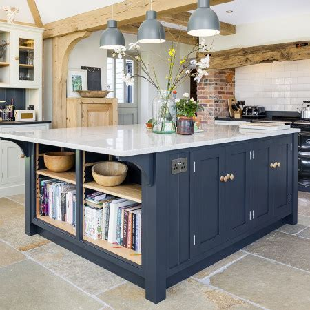 Open Plan Kitchen with Large Island   Levick Jorgensen