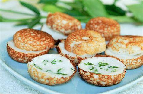 cuisine cambodgienne coconut custard dessert khanom krok ขนมครก