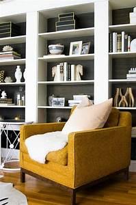 la couleur jaune moutarde nouvelle tendance dans l With couleur mur salon tendance 11 realisation dune bibliothaque sur mesure dans un
