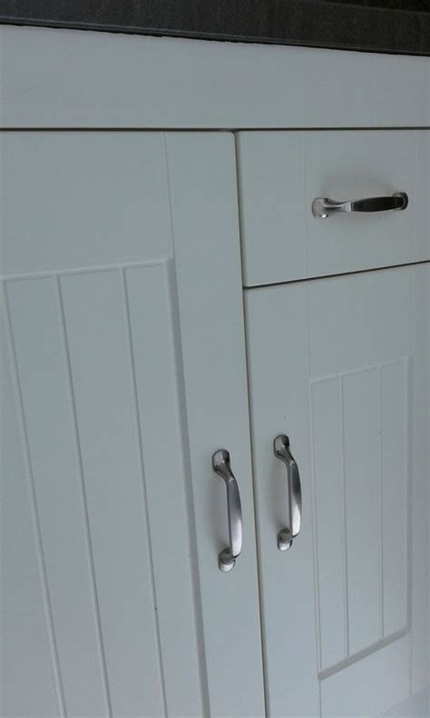 Shaker Matt Ivory Tongue and Groove Kitchen Cupboard