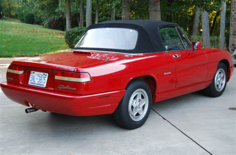 1991 Alfa Romeo Spider Photos, Informations, Articles