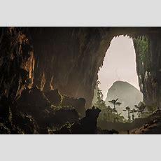 Step Inside This Massive Cave Labyrinth Hidden Under Borneo