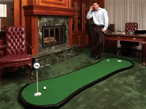 mini golf bureau putting greens
