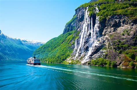 Fjord Vineyards by Ms Midnatsol Im Geirangerfjord Die Sieben Schwestern