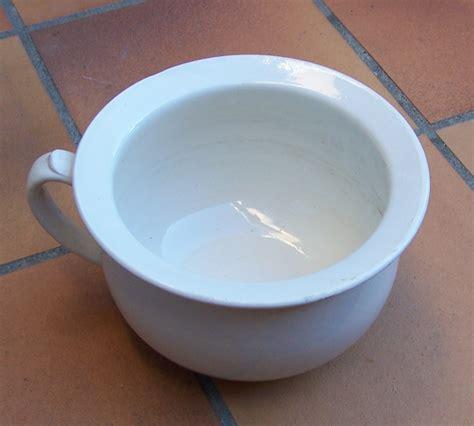 pot de chambre cing file pot de chambre 2 jpg wikimedia commons