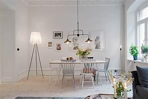 Appartement a goteborg mariekke for Deco cuisine avec chaise cuir blanc salle a manger