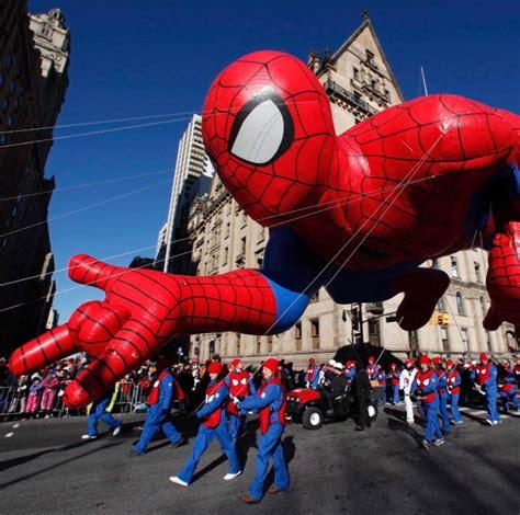 macys thanksgiving day parade   macys