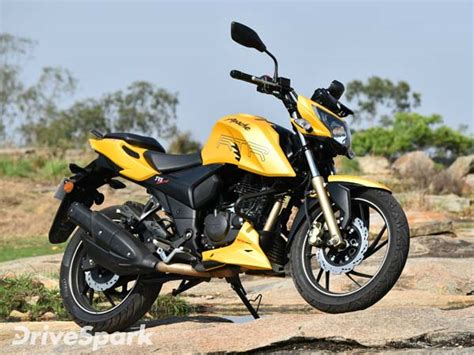 Apache Rtr 200 4v 2019 by 2017 Tvs Apache Rtr 200 4v Launched In India Drivespark News