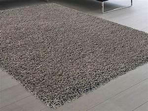 Tapis A Poils Long : tapis shaggy poil long 100 polypropyl ne douceur taupe ~ Teatrodelosmanantiales.com Idées de Décoration