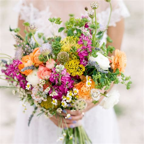affordable flowers for weddings the best and worst wedding flowers for brides with 1215