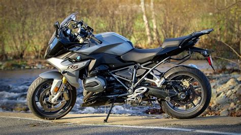 r 1200 rs 2016 bmw r 1200 rs review revzilla