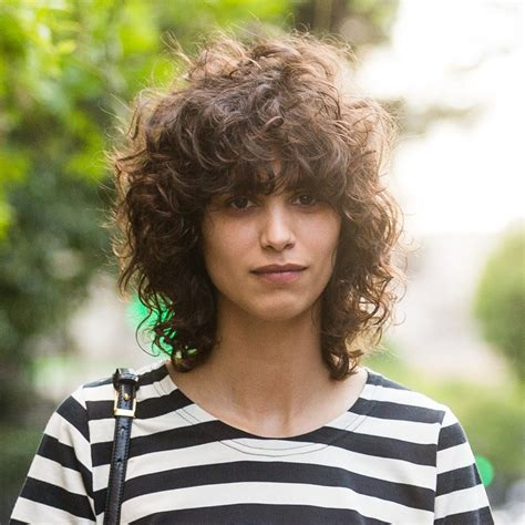 22 urban cool curly hairstyles with bangs haircuts hairstyles 2019