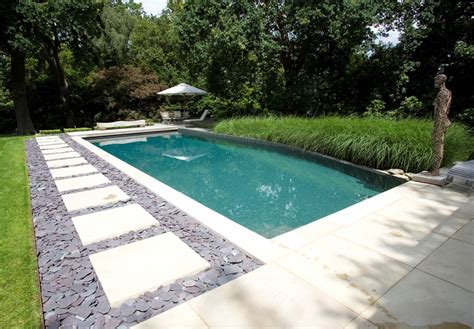 Checklist To Inspect Your Outdoor Swimming Pool Condition