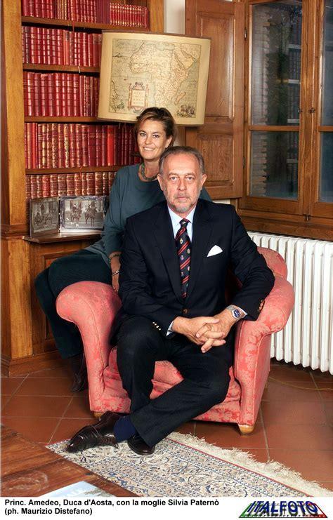 Si è spento a 78 anni amedeo di savoia, duca d'aosta e membro di casa savoia. Amedeo, duke of Aosta, with wife Silvia | Famiglie reali