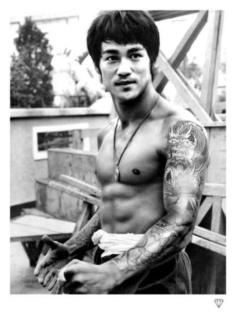 Bruce Lee by JJ Adams | Bruce lee photos, Bruce lee