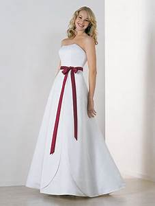 Simple white dress for wedding for Simple white wedding dress