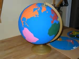 Montessori Continent Globe