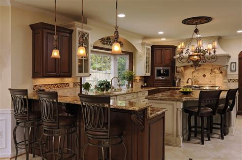 Updated Elegant Traditional Kitchen