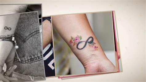 Delicados Tatuajes de infinito en la muñeca para mujeres y