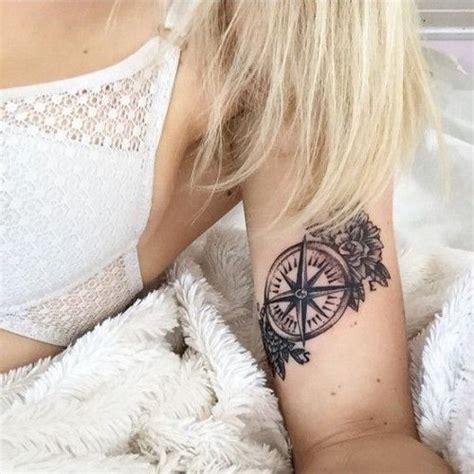 signification  idees de tatouage boussole femme