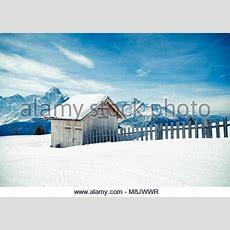 Holz Hütte In Den Dolomiten Stockfoto, Bild 78935273 Alamy