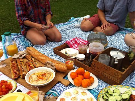 picknic food charm confetti seis de mayo picnic