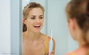mittel gegen karies was hilft gegen mundgeruch professionelle zahnreinigung pzr