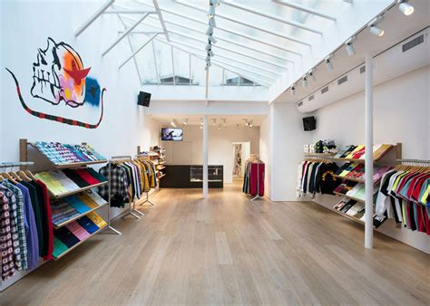 adresse shopping supreme le streetwear chic hero paris