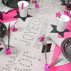Chemin De Table Anniversaire : chemin de table joyeux anniversaire blanc noir ~ Melissatoandfro.com Idées de Décoration