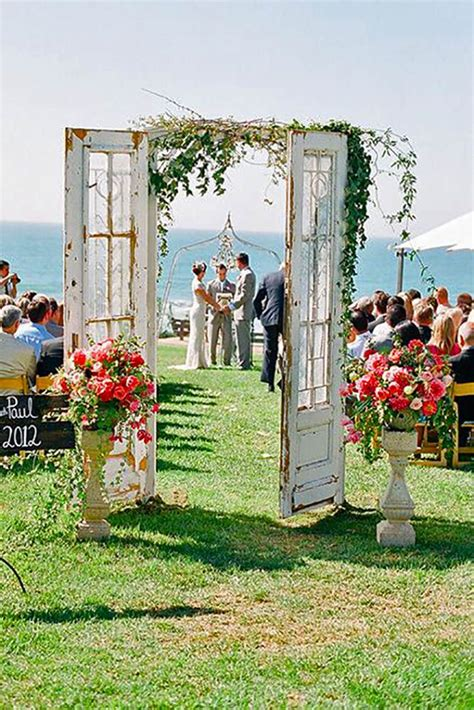 screen decoration at back of altar 25 best ideas about doors wedding on wedding doors outdoor wedding doors and