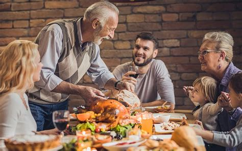 irish family history  thanksgiving dinner table