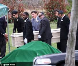 wedding chapel los angeles simon monjack laid to rest next to murphy in