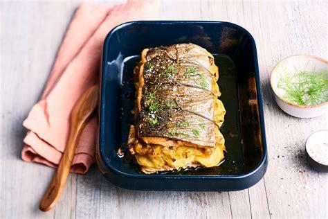 cuisiner la daurade recette rôti de truite aux poireaux et pommes de terre