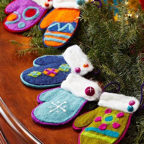 make felt ornaments