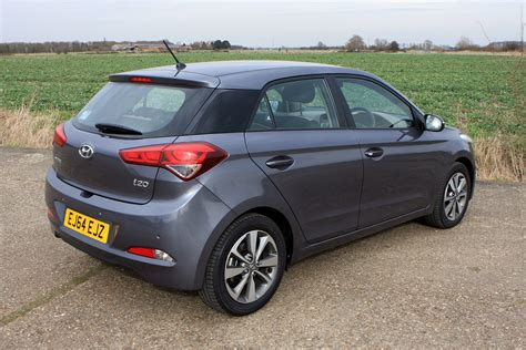 Review Hyundai I20 by Hyundai I20 Hatchback Review Parkers