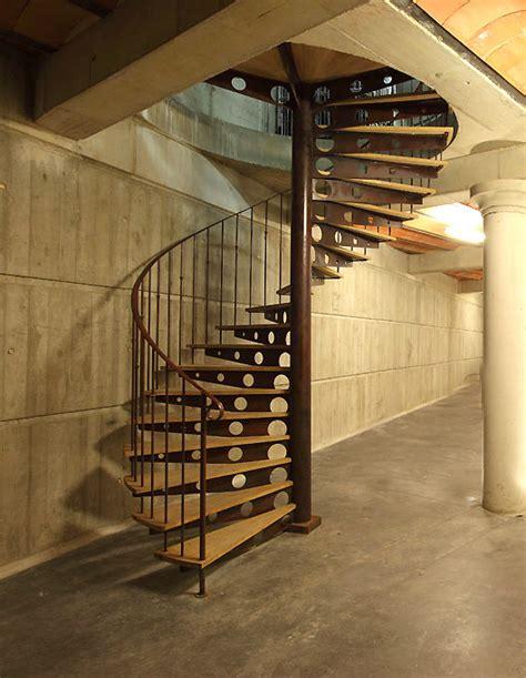 escalier colima 231 on en fer et bois ferronnerie portes