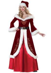 girls get amazing looks by wearing fabulously designed dresses on this christmas party trendy