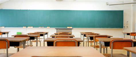 portland teacher put  leave  endangering students