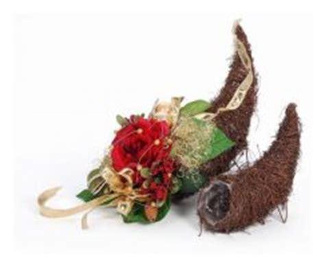 weihnachtsdeko für den tisch blumenschmuck kirche blumendeko ideen f 195 188 r hochzeit und geburtstag