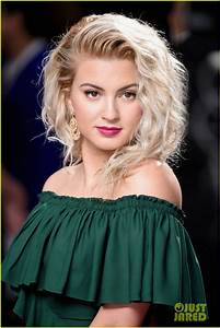 Tori Kelly Hits The Red Carpet Before Her Grammys 2017 Performance Photo 3858166 2017 Grammys