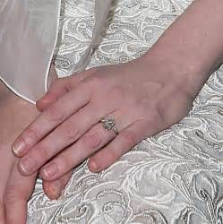simple diamond set kirsten dunst s engagement ring is so extravagant that