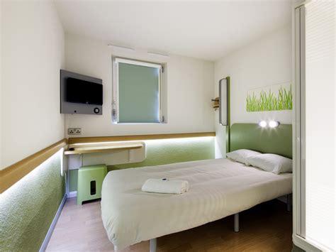 chambre ibis hotel hôtel ibis budget lisieux tourisme calvados